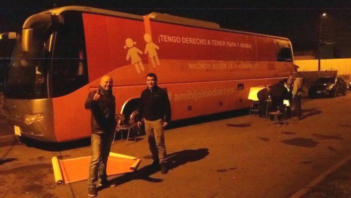 Copia del Bus de la Familia inicia recorrido en el sur de Chile