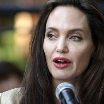 """""""Falso y desagradable"""": Angelina Jolie furiosa por haber sido acusada de """"explotación"""" en Camboya"""