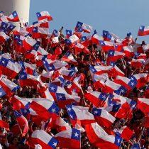 [VIDEO] Leonardo Farkas llega a Rusia con un cargamento de 4 mil banderas chilenas para la final de la Confederaciones