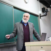 Matemático chileno es eminencia mundial en el estudio de los