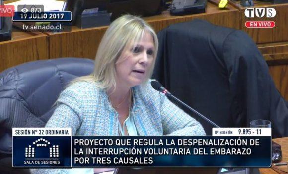 """Aplauden intervención de Lily Pérez tras votar por causal de violación: """"Quiero defender lo que las mujeres sentimos"""""""