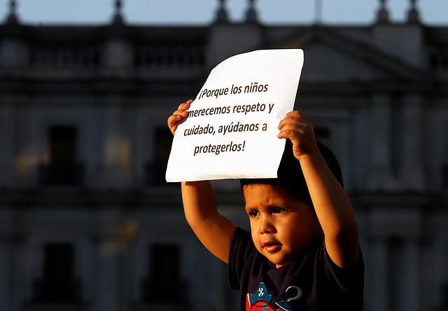 Debilidad, inconsistencia y burocracia: las características de las reformas en materia de infancia en Chile