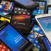 Crean un nuevo material que reduce al mínimo consumo energía de los celulares