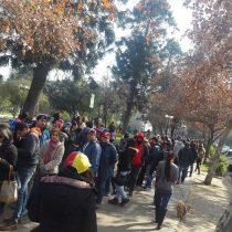 [FOTOS] Cientos de venezolanos en Chile asisten a la consulta popular