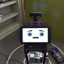 Crean un robot que detecta emociones mediante la interacción con personas