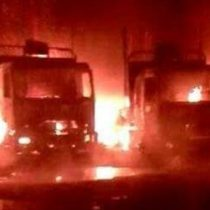 Decenas de camiones son consumidos por las llamas en San José de la Mariquina