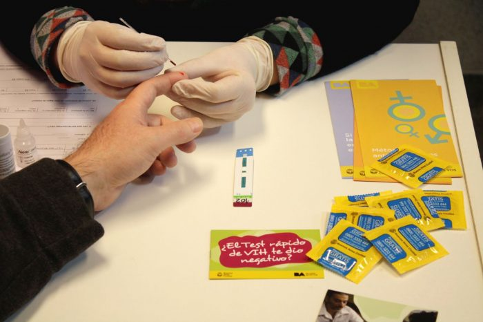 ¿Es el test rápido de VIH la solución para controlar las cifras alarmantes de contagiados?