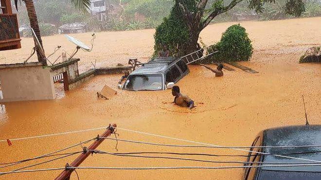 Al menos 300 muertos y miles de damnificados por un deslave y fuertes lluvias en Sierra Leona