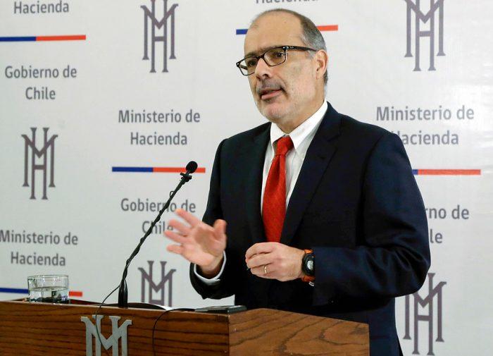 El optimismo de Valdés: economía crecerá 3% a fin de año y alza del cobre reduciría déficit