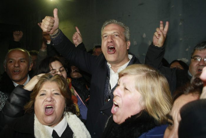 Chile alza la voz: cómo los movimientos sociales lograron bajar apoyo a la candidatura de Rincón