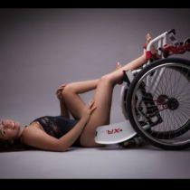 """Chilena campeona mundial de salsa en silla de ruedas busca costear viaje para revalidar título: """"Esto no es de pobrecita"""""""