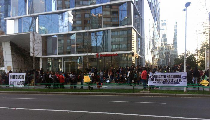 Huelga en Deloitte: ya van ocho días de paralización en la auditora