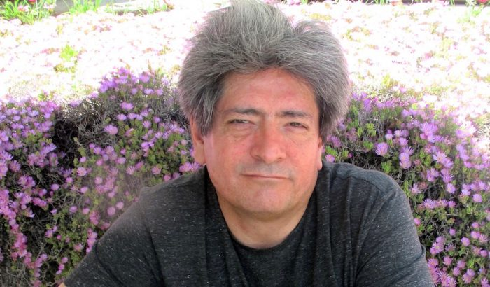 """Mauricio Electorat, escritor: """"Chile es su poesía y no otra cosa"""""""