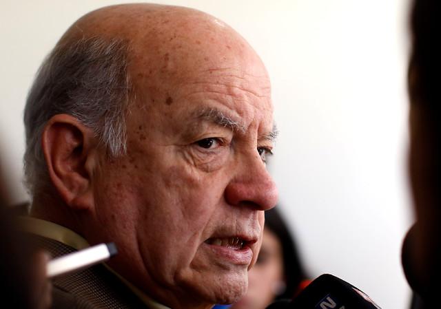Insulza estudia bajar su candidatura senatorial tras decisión del PS de no entregarle cupo por Atacama y pedirle ir por Arica