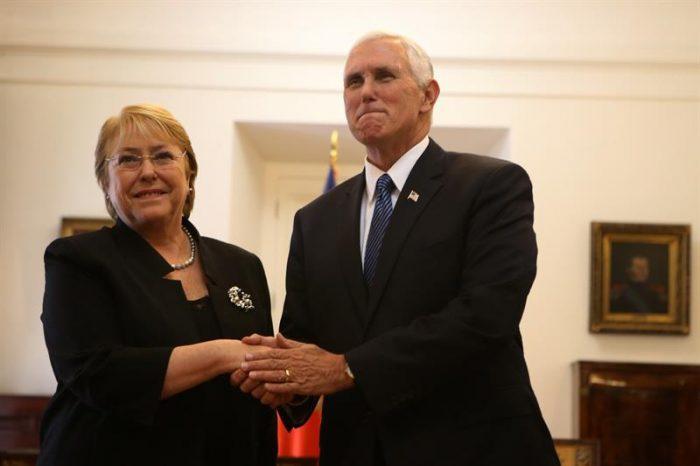 [FOTOS] La llegada del vicepresidente de EE.UU. Mike Pence a Chile y su reunión con Bachelet