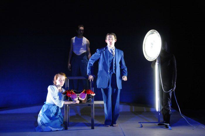 """Funciones gratuitas obra """"Muerte de un vendedor"""" de compañía estadounidense Theater Mitu"""
