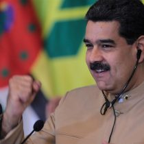 Maduro pide una cumbre regional para restituir el