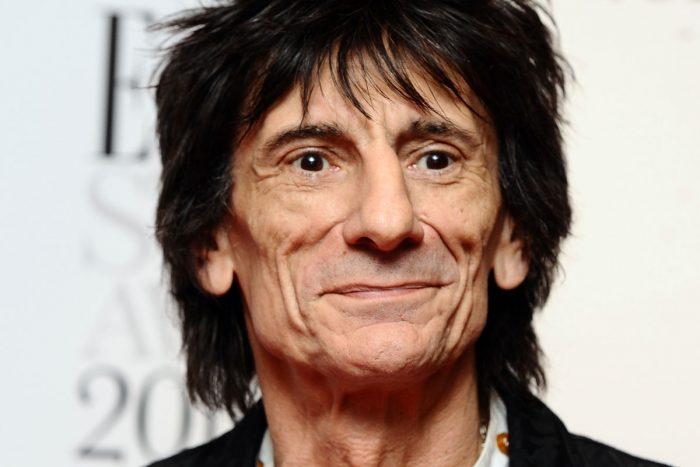 Guitarrista de The Rolling Stones dice que fue operado de cáncer de pulmón