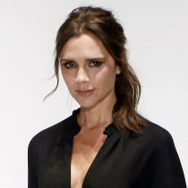 "Victoria Beckham evalúa demandar a restaurante que ofrece pizza ""tan delgada"" como ella"