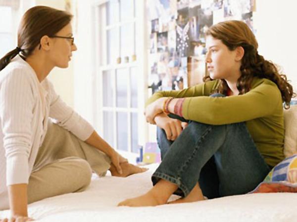 Estilos de crianza en la adolescencia y la relación con la salud mental de los  adolescentes