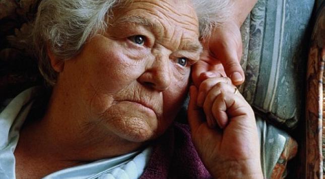 Nuevo descubrimiento puede ayudar a revertir pérdida de memoria en Alzheimer