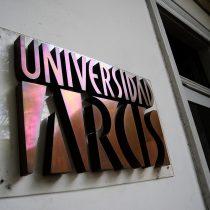 Trabajadores de la U. Arcis acusan al Mineduc de impedir pago íntegro de sus sueldos impagos