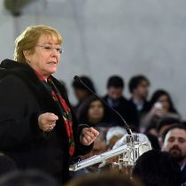 Bachelet anuncia que adultos mayores podrán acceder a tarifa rebajada del Metro sin límite de viajes