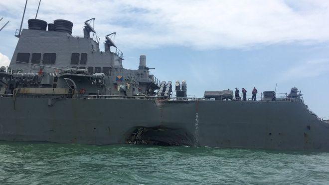 Desaparecidos 10 tripulantes de un destructor lanzamisiles de EE.UU. que colisionó con un buque petrolero en aguas de Singapur