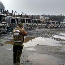 Quema de camiones en San José de la Mariquina: Bachelet anuncia que combatirá la violencia y envía a Aleuy a la zona