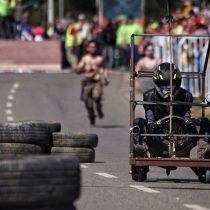 [FOTOS] Toda la adrenalina y buen humor de las carreras de carretones en Concón