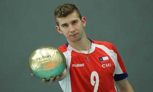 Voleibol: Chile gana por tres sets a Perú y espera a Uruguay