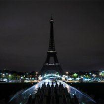La Torre Eiffel apaga sus luces esta noche por las víctimas de Barcelona