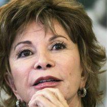 """Isabel Allende celebra despenalización del aborto: """"Las mujeres tienen que ganar su espacio a patadas"""""""