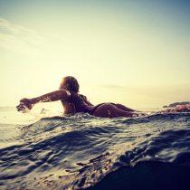Isidora Ureta conquista las olas