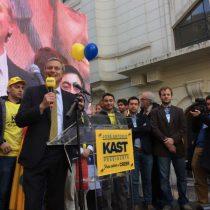 José Antonio Kast inscribe candidatura ante el Servel: