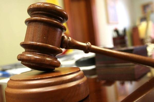 Igual que los Notarios: eligen a hija de ex juez Calvo y abogada sin experiencia como jueza de Policía Local