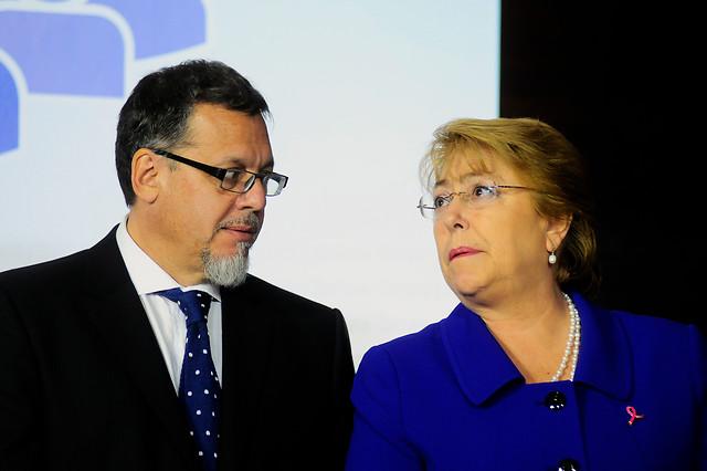 """Lagos Weber a Bachelet: """"He de esperar que se pongan paños fríos y se entregue un merecido respaldo a Valdés"""""""