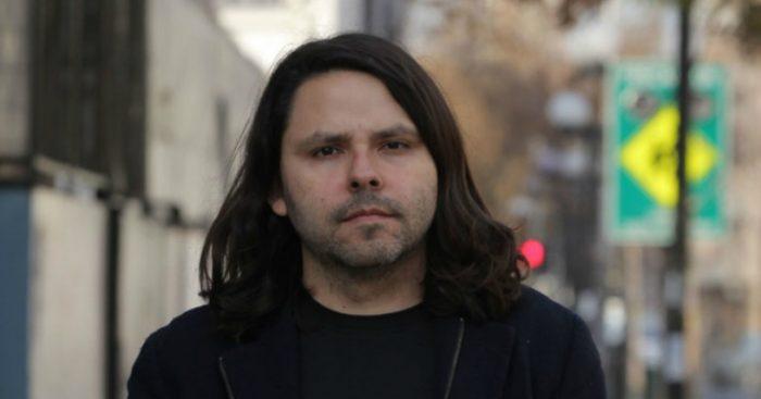 Alberto Mayol prepara candidatura a diputado por Santiago