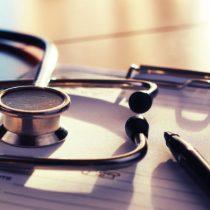 Objeción de conciencia: ¿Pueden los centros de salud negarse a realizar abortos en las tres causales?