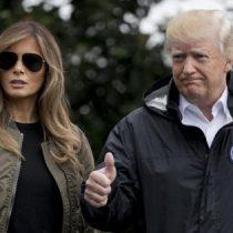 Critican a Melania Trump por los zapatos que escogió para ir a ver los daños del huracán Harvey