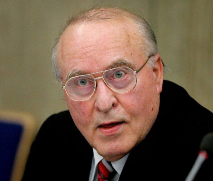 Muere en Alemania el negacionista del Holocausto Ernst Zündel