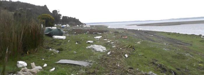 Chiloé se ahoga en plumavit y basura