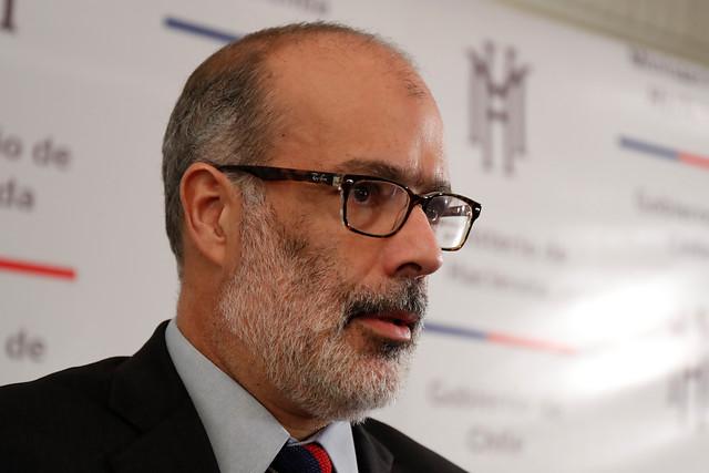 Valdés confirma ejercicio de enlace con renuncia de todo el equipo económico