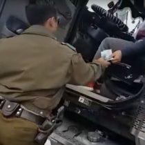 [VIDEO] Genio intenta sobornar a Carabineros con droga para no ser detenido… y es detenido
