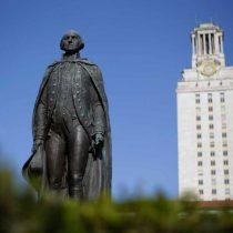 Retiran monumentos confederados en la Universidad de Texas