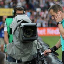 [VIDEO] La primera polémica del VAR en el fútbol holandés