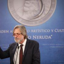 Entregan Orden al Mérito Pablo Neruda a gestor cultural Alfredo Saint-Jean Domic