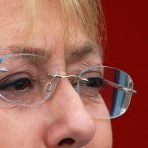 Bachelet siente el golpe: