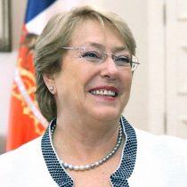 Cadem: aprobación de Bachelet mejora por segunda semana consecutiva y alcanza un 30%