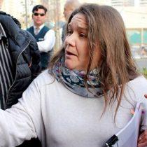 Marcela Aranda no lo logró: mujer tras polémico bus transfóbico no juntó firmas para presentarse a senadora